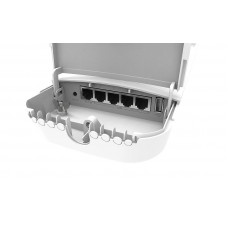 OmniTIK 5 ac 7.5dBi Integrated AP, 5GHz Dual chain with 802.11ac support, 5x Gigabit Ethernet ports