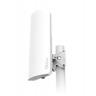 mANTBox 52 15s A dual-band 2.4/5 GHz base station with a powerful built-in sector antenna, PoE support, Gigabit Ethernet and SFP. One powerful package for all your outdoor network needs, perfect for camps, stadiums and parks!